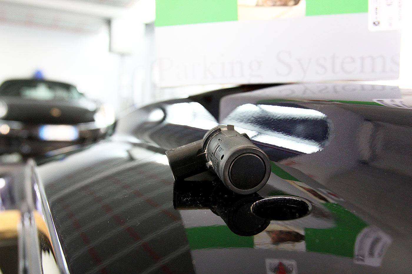 Carrozzeria-Moglianese-Gardigiano-Scorze-montaggio-sensori-parcheggio-2
